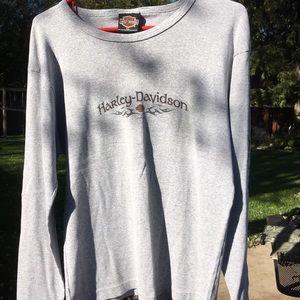 Women's long sleeves t-shirt
